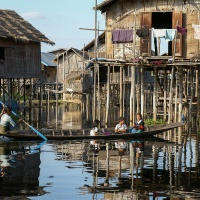 Birmanie, lac Inlé village sur pilotis